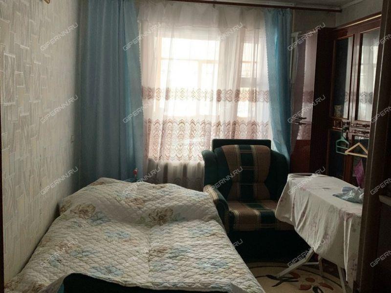 четырёхкомнатная квартира на улице Челюскинцев дом 27