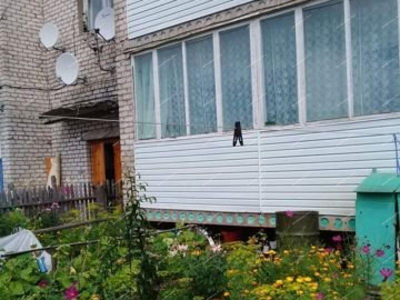 двухкомнатная квартира на улице Просвещения рабочий посёлок Сява